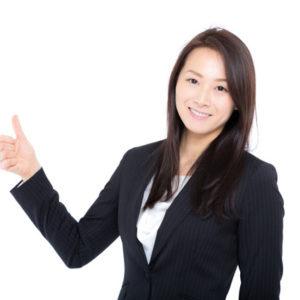 女性の心理カウンセラー講師